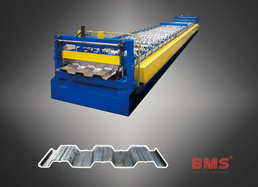 China Modern Metal Aluminum Steel Roll Forming Machine 380 Volt 50Hz 3 Phases factory